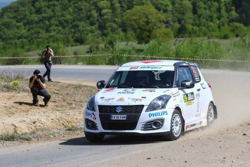 8 mașini Suzuki Swift Sport la startul Danube Delta Rally 2016