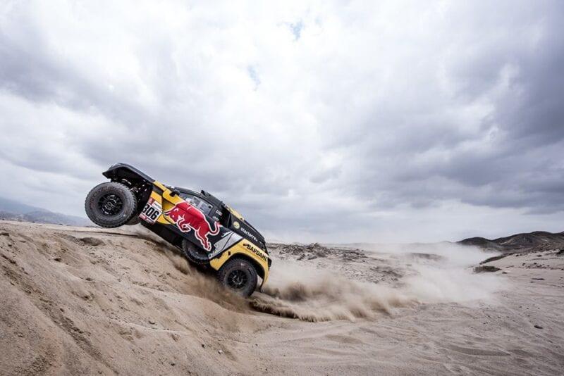 Giniel de Villiers e noul lider din Dakar, dupa ce Sebastien Loeb se impune in a doua zi